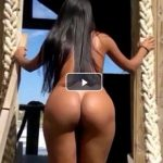 Filmando a esposa magrinha andando pelada