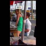 Esposa puta fazendo sexo em público