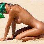 Natalia Andreeva em fotos peladas ao ar livre